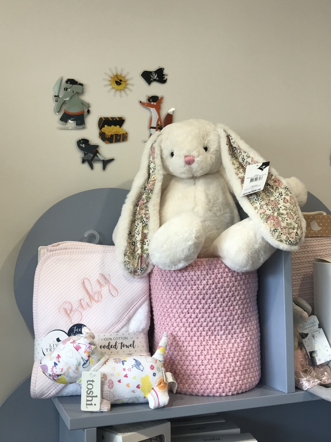 Chique Decor and Little Darlings