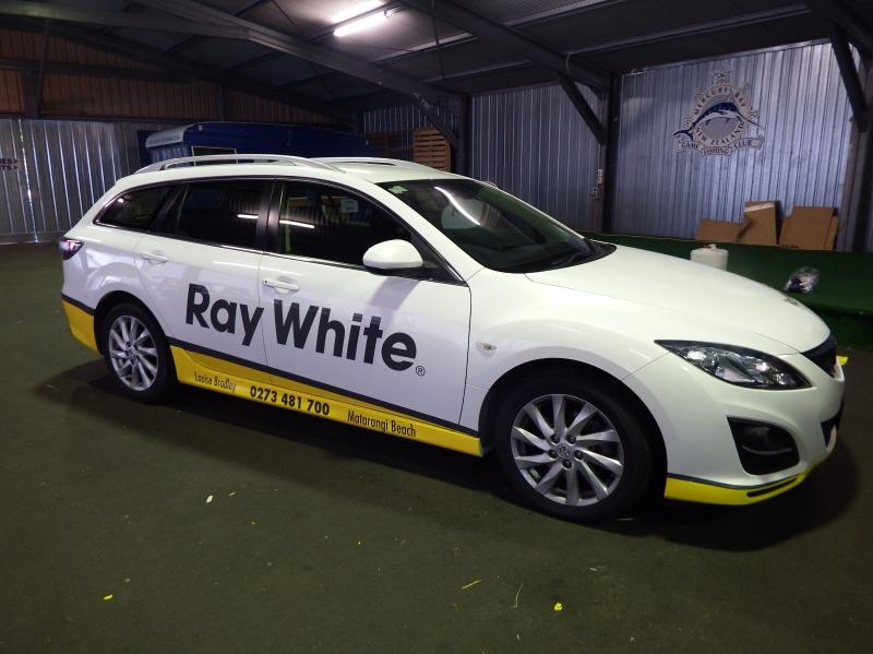 All About Whitianga SJC Industries Sign Writing Whitianga - Car signwriting