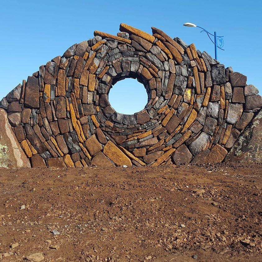 Mark Urlich rock sculpture