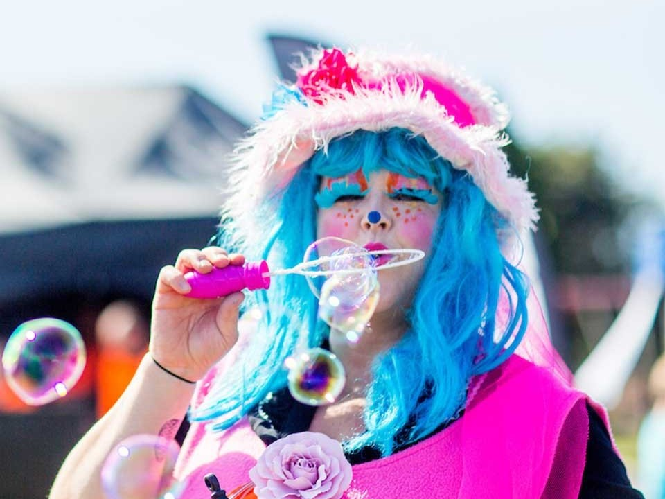 Clown with bubbles