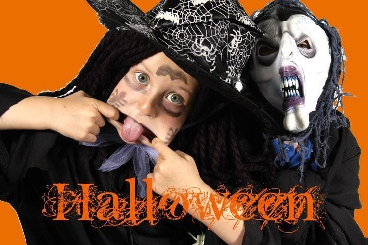 Whitianga kids dressed up for Halloween