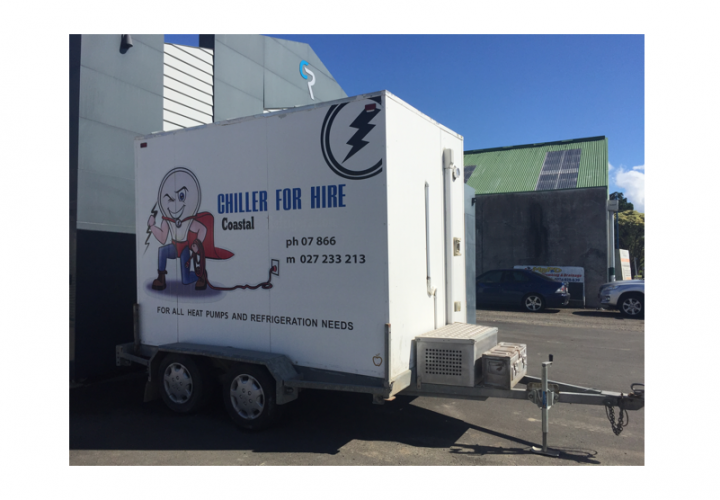 White trailer chiller / freezer