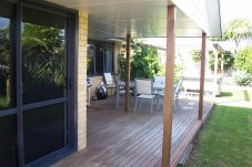Whitianga Builder Helton Projects Ltd Out door living.JPG