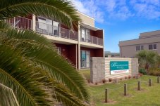 Beachside Resort Apartment complex Whitianga reception and entrance