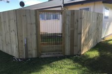 Fence construction B Row Projects Whitianga
