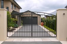 Example driveway gates - supplier Warner