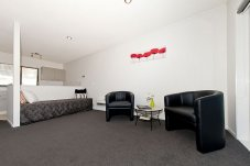 Executive Studio Living/Kitchen Oceanside Motel Whitianga