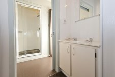 One Bedroom Bathroom Oceanside Motel Whitianga