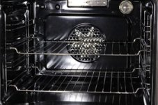 Clean oven by Coromandel Peninsula and Whitianga oven and bbq cleaning specialists