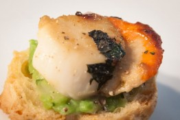 Delicious scallop treats. Image credit Whitianga Scallop Festival.