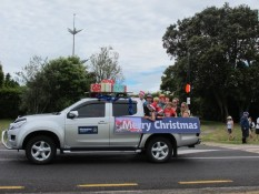 Matarangi Beach Christmas Parade