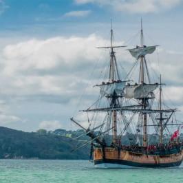 Endeavour replica sailing in Mercury Bay