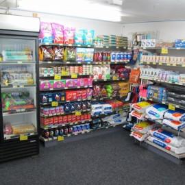 Pet food and pet supplies