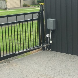 Automated fence gate