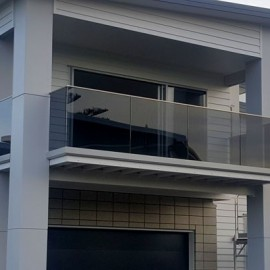 Tinted glass balustrade on White House