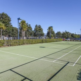 Sovereign Pier on the Whitianga Waterways - apartment accommodation with guest tennis courts