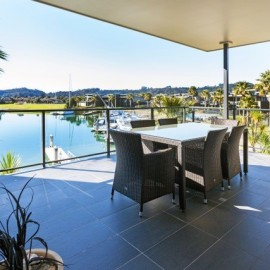 Sovereign Pier on the Whitianga Waterways - apartment accommodation patio area overlooking waterways
