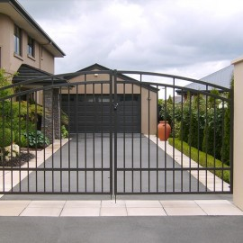Example driveway gates - supplier Warner