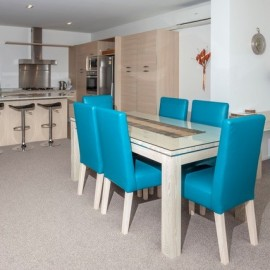 Sovereign Pier on the Whitianga Waterways - apartment accommodation dining and kitchen area Whitianga