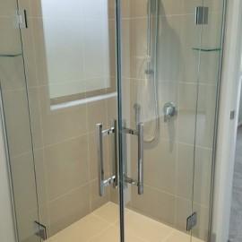 Glass corner shower