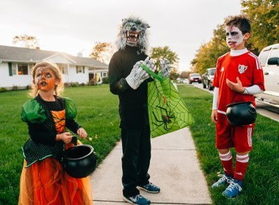 Halloween Trick or Treating Friendly Houses
