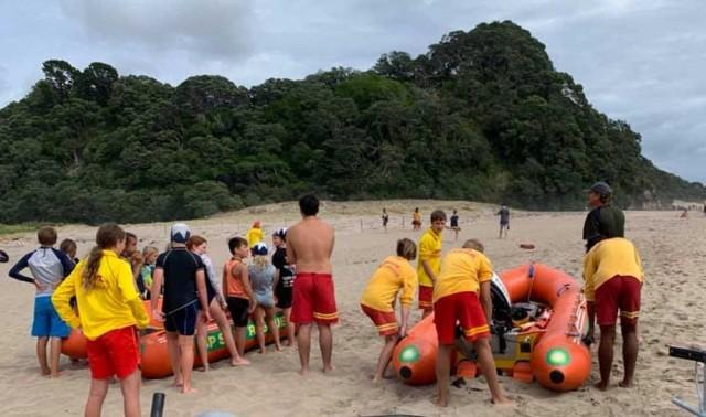 Hot Water Beach Junior Surf programme calls for business sponsors