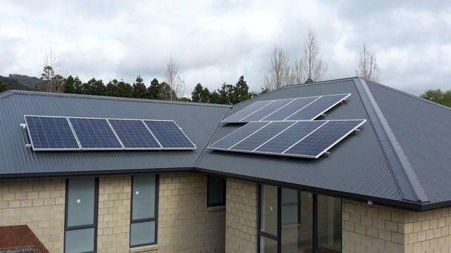 Good Energy Whitianga solar panels on roof top